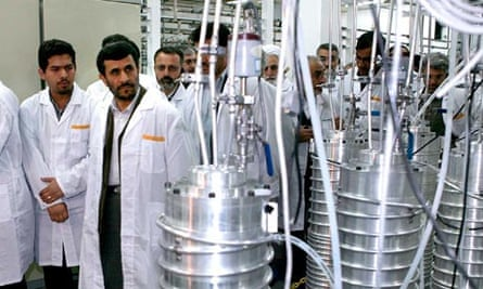 Mahmoud Ahmadinejad visits nuclear facility