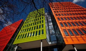 St. Giles Court, mixed use development by Renzo Piano Building Workshop Architects.