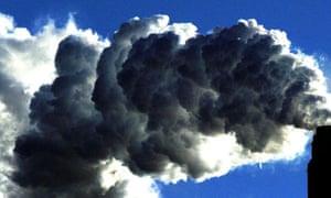 UK 'must triple efforts to cut emissions'