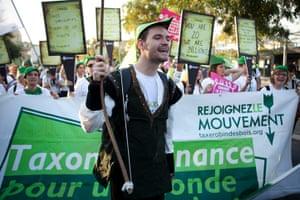 Anti-G20 in Cannes: pro  FTT activist