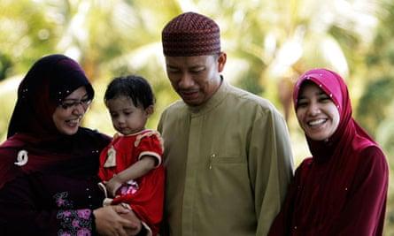 Ishak Md Nor, Aishah Abdul Ghafar, Afiratul Abidah Mohd Hanan