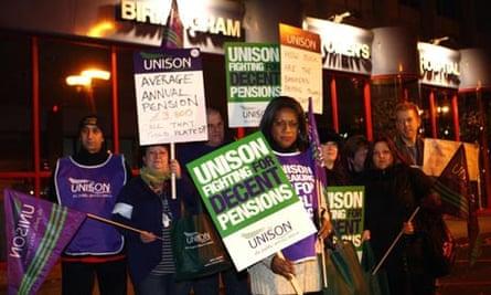 Early strikers outside Birmingham Women's hospital