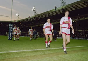 Great Britain v Australia: Dejected England players after the 1995 Rugby League World Cup Final