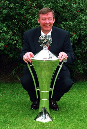 Fergie's 25 years: Alex Ferguson wins his first Barclays Manager of the Year Award in 1993
