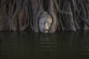 24 hours in pictures: flooding at Wat Mahathat temple in Ayutthaya, Thailand