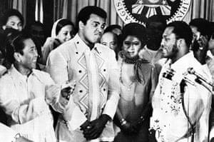 Joe Frazier: Muhammad Ali, Joe  Frazier and President Ferdinand Marcos in 1975