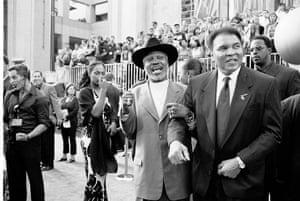 Joe Frazier: Joe Frazier and Muhammad Ali at he 2002 ESPY Awards in Hollywood