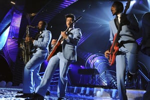 MTV Awards: Mars with his band