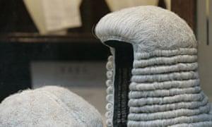Judge's wig