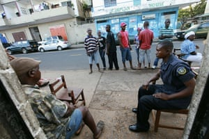Liberia violence: People wait to cast their vote for Liberia's presidential election run-off