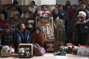 Bolivia Day of Skulls: mass
