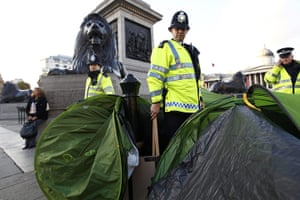 Student protests update: Police officers remove tents and placards from trafalgar Square
