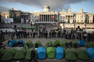 Student protests update: Protesters set up tents before being cleared by Police in Trafalgar Square