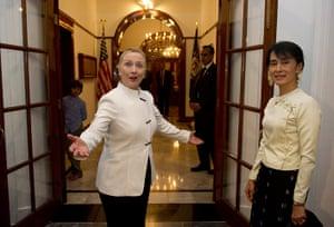 Hillary Clinton in Burma: Aung San Suu Kyi
