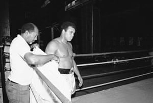 Drama in Bahama: Ali training before the fight with Trevor Berbick