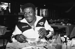 Drama in Bahama: Trevor Berbick eats lunch before his fight with Muhammad Ali