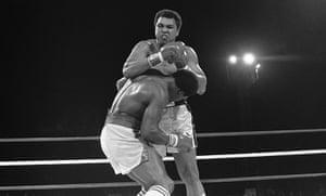 Drama in Bahama: Trevor Berbick fights Muhammad Ali
