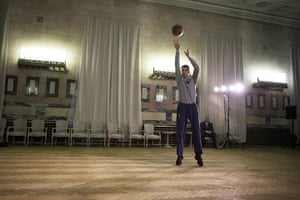 Mikhail Prokhorov: Prokhorov playing basketball after work in his office