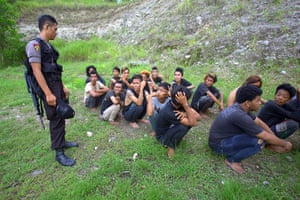 Indonesia punks: Police watch over barefoot punks arrested in a raid in Banda Aceh
