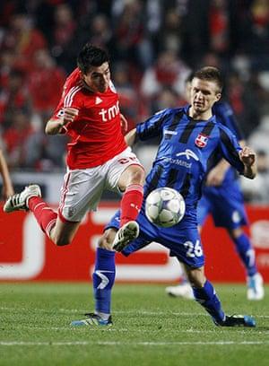 Man Utd targets: Benfica's Nico Gaitan goes past Otelul Galati's Ionut Neagu