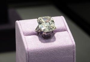 Elizabeth Taylor auction: The Elizabeth Taylor Diamond ring at the Elizabeth Taylor auction