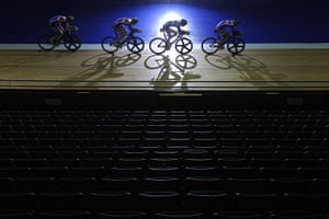 Team Pursuit Boot Camp: Track cycling team train in formation