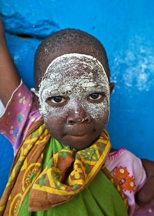Mozambique dhow trip: young girl on Arimba island