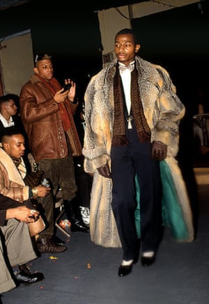 Voguing gallery: Voguing man in fur coat
