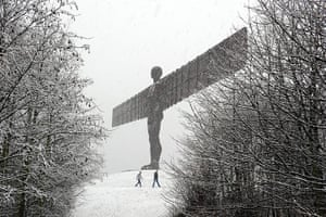 UK Weather: The Angel of the North statue is covered in heavy snow