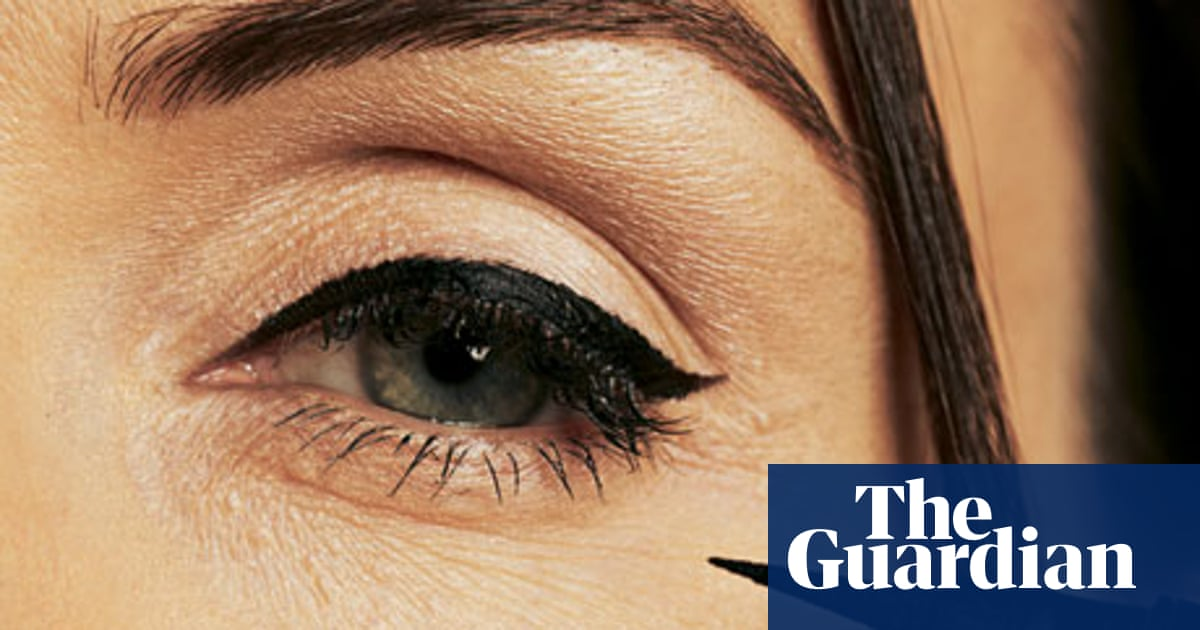 7d5d232a227 Beauty: flicky eyeliner | Fashion | The Guardian