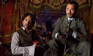 Robert Downey Junior and Jude Law in Sherlock Holmes: A Game of Shadows
