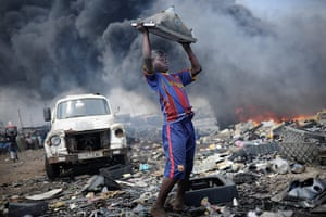 UNICEF Photo of the Year: First Prize: 'Waste export to Africa' by Kai Löffelbein