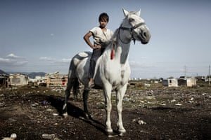 UNICEF Photo of the Year: Honable mention: 'Target Roma' by Mugur Varzariu from Romania
