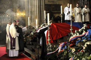 Vaclav Havel funeral : Clerics bless the coffin of former Czech President Havel