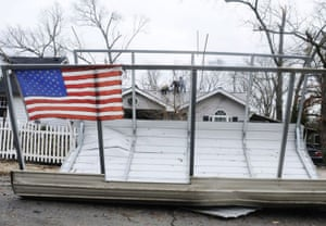 24 hours in pictures: carport roof