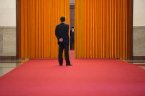 24 hours in pictures: meeting between Japanese and Chinese leaders in Beijing