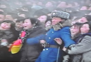 Kim Jong-il funeral: Crowds watch the funeral procession