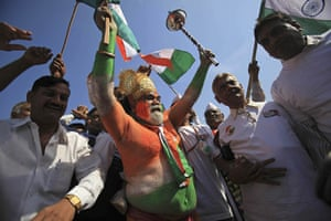 24 hours in pictures: Mumbai, India: Supporters of anti-corruption activist Anna Hazare