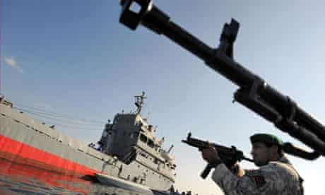 Iranian navy excercise strait of hormuz