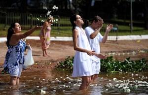 New Year celebrations: Paranoa Lake beach in Brasilia