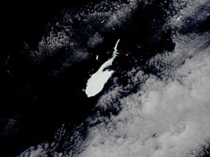 Satellite Eye on Earth: Iceberg B-15