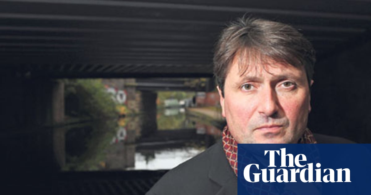 Does Identifying Armitage As Original >> A Life In Writing Simon Armitage Books The Guardian