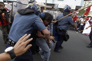 Occupy Mendiola: Filipino militant students clash with anti-riot police officers