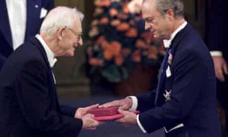 Nobel prizewinner Alan MacDiarmid receives his Nobel prize