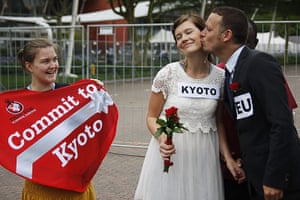 COP17 in Durban: Commit to Kyoto