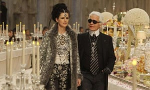 72a40f46d Karl Lagerfeld shows off his Mad Hatter streak at launch of ...