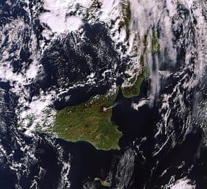 Satellite Eye on Earth: the plume of smoke  from Mount Etna