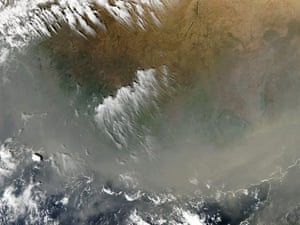 Satellite Eye on Earth: Dust from a powerful Saharan storm mixed with smoke from hundreds of fires
