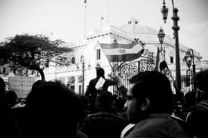 Hossam el-Hamalawy: Revolutionaries besiege the parliament
