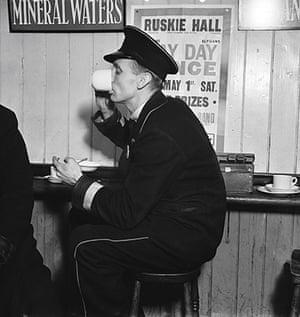 E.O. Hoppé: Drinking tea in the busmans' canteen